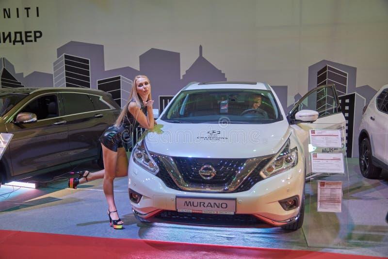 Het vooraanzicht van Nissan Murano stock afbeeldingen