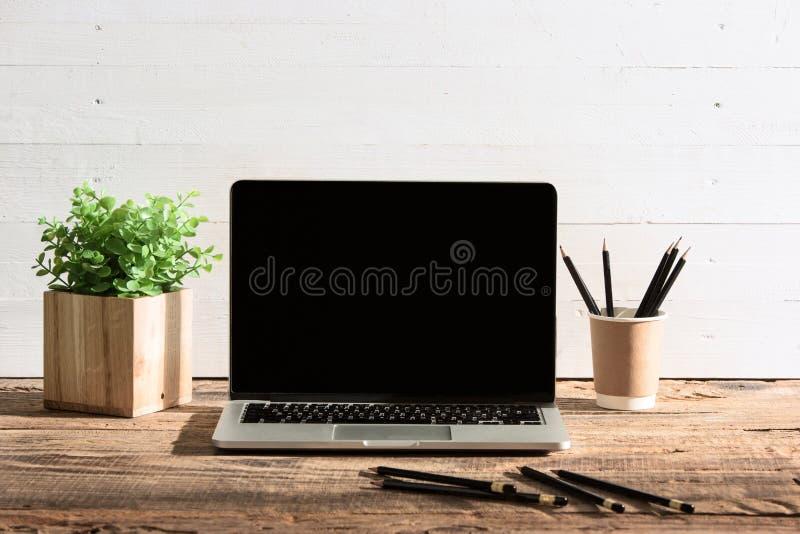 Het vooraanzicht van notitieboekje en kop van koffie Inspiratie en modelconcept royalty-vrije stock foto's