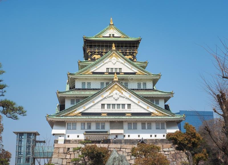 Het vooraanzicht van Osaka Castle stock afbeeldingen