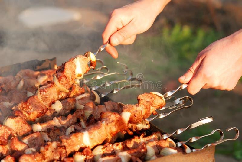 Het voorbereiden van barbecue stock foto