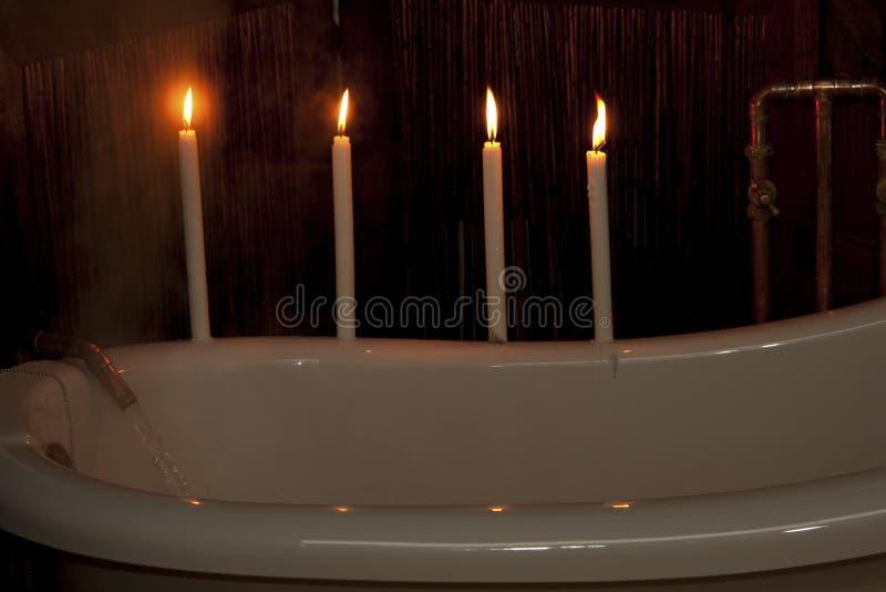Het voorbereiden van een bad stock foto