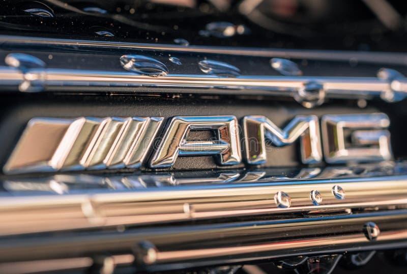 Het voorembleem van Mercedes Benz AMG stock foto