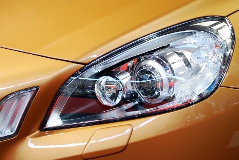 Het voorlicht van de auto stock foto