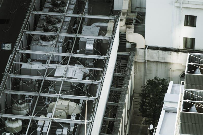 Het voortbouwen op het dak van de openluchteenheid royalty-vrije stock afbeelding