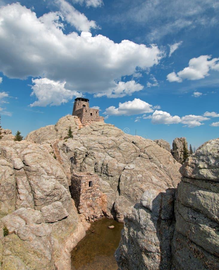 Het Vooruitzichttoren van de Harney Piekbrand in Custer State Park in de Zwarte Heuvels van Zuid-Dakota de V.S. dat door de Burge stock afbeeldingen