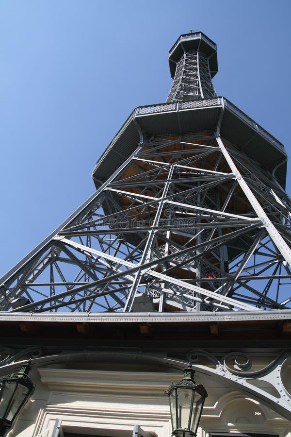 Het vooruitzichttoren van Petrin - Praag royalty-vrije stock foto