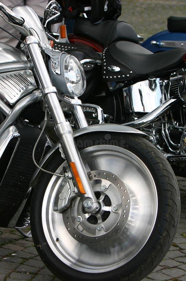 Het voorwiel van de fiets stock afbeelding