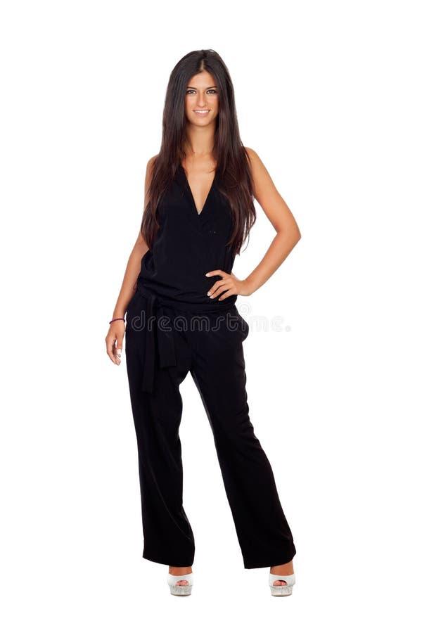 Het vrij donkerbruine meisje kleedde zich in zwarte royalty-vrije stock afbeeldingen