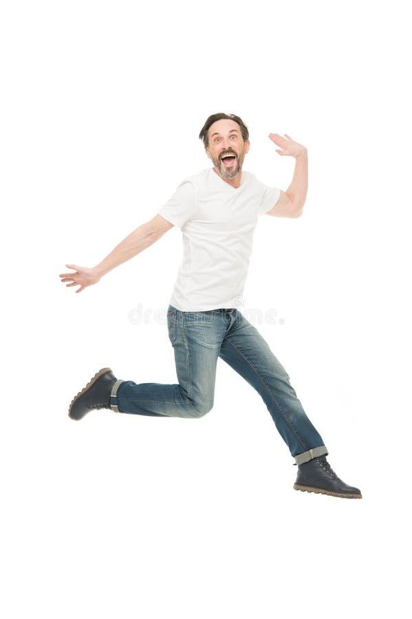 Het vrije Springen Het hebben van pret Rijpe mens die in pret springen Grappige mens Rijpe mens van manier met grijze baard Gebaa royalty-vrije stock foto's