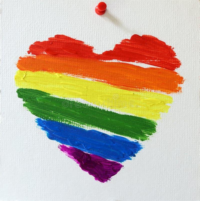 Het vrolijke hart van de lgbtvlag geschilderde regenboog stock afbeelding
