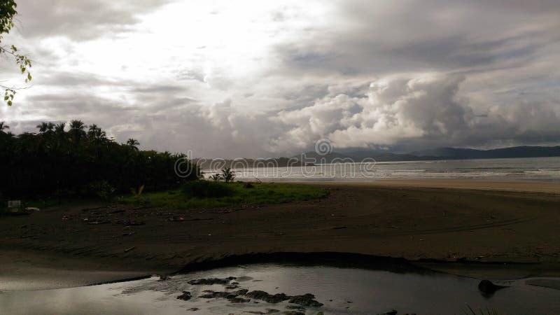Het Vulkanische Strand van Hawaï stock foto's