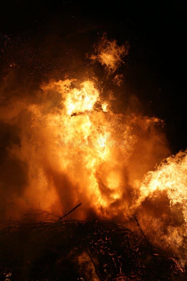 Het vuur funken het branden van heksen royalty-vrije stock afbeeldingen