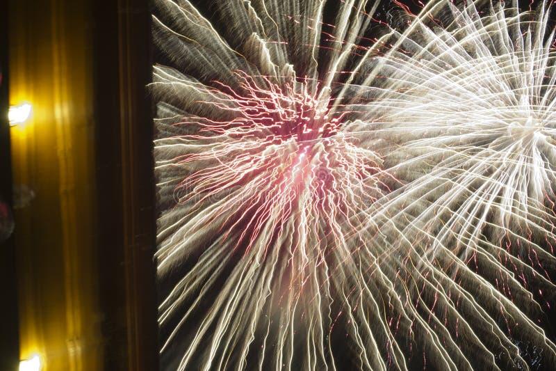Het vuurwerk toont stock foto's