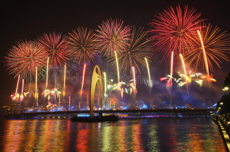 Het vuurwerk van de 16de Aziatische spelen stock foto