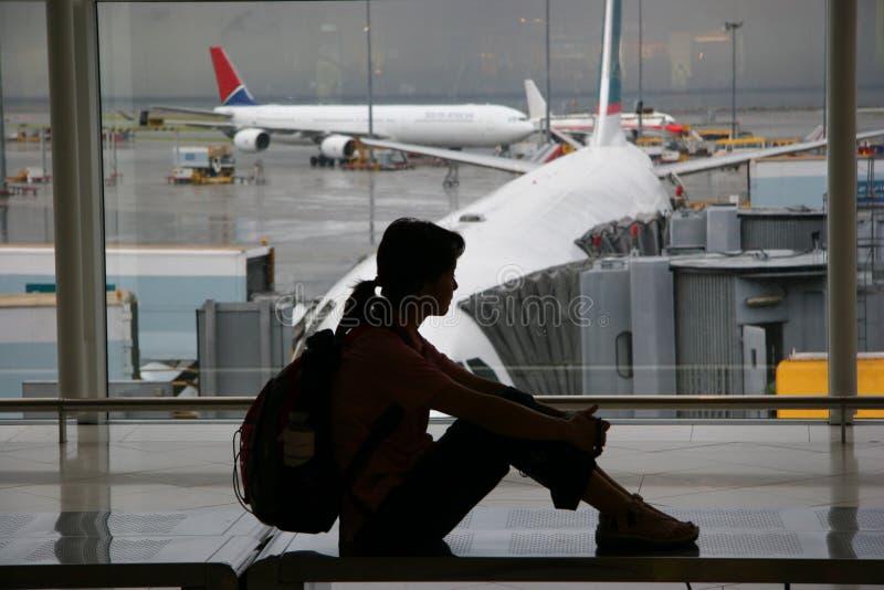 Het wachten bij de luchthaven royalty-vrije stock afbeeldingen
