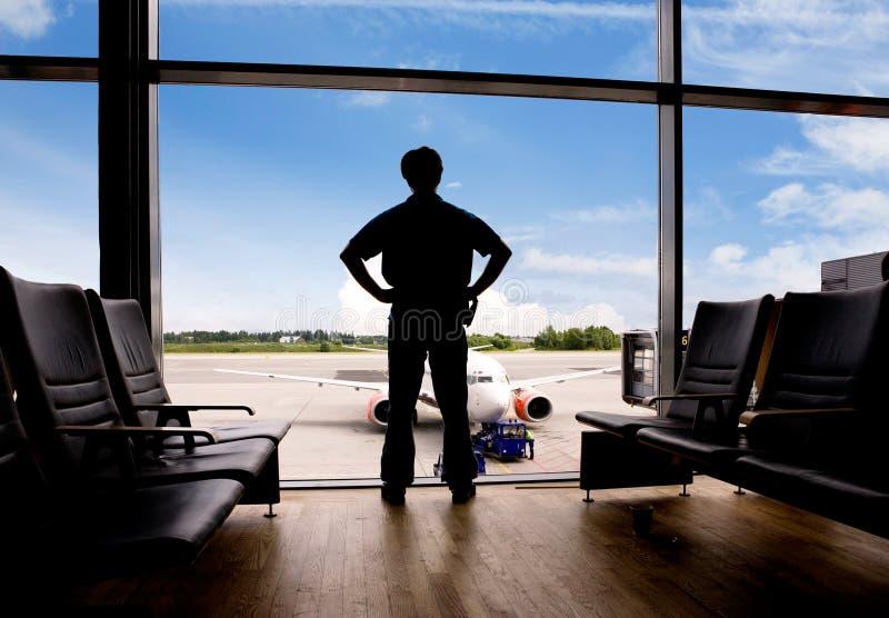 Het wachten bij Luchthaven stock afbeelding