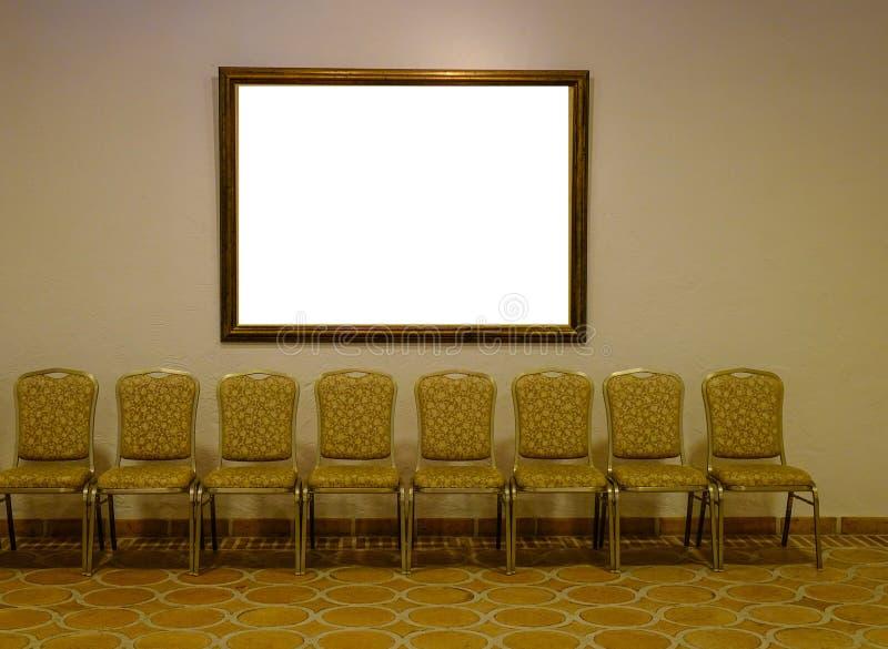 Het wachten stoelen van traditioneel restaurant stock fotografie