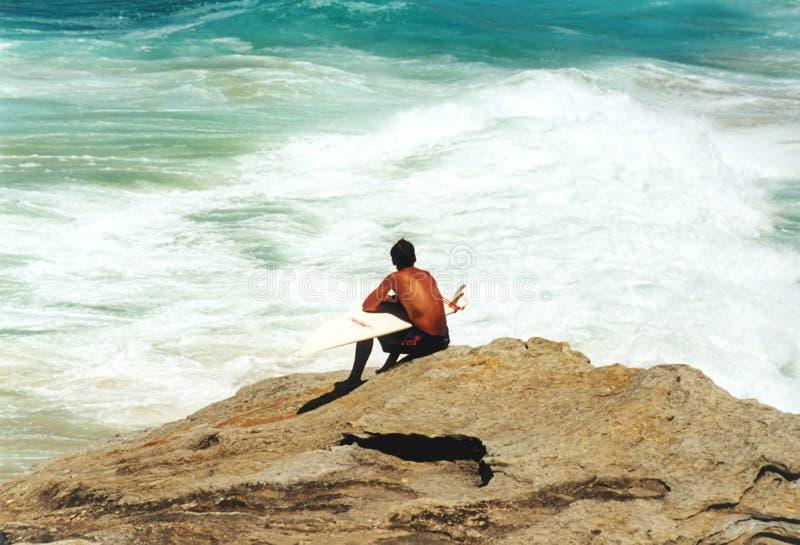 Het Wachten van Surfer royalty-vrije stock afbeeldingen