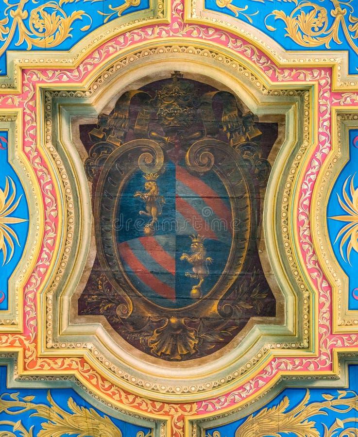 Het wapenschild van pauspius ix in het plafond van de Basiliek van Sant 'Anastasia dichtbij Palatine in Rome, Italië royalty-vrije stock foto's