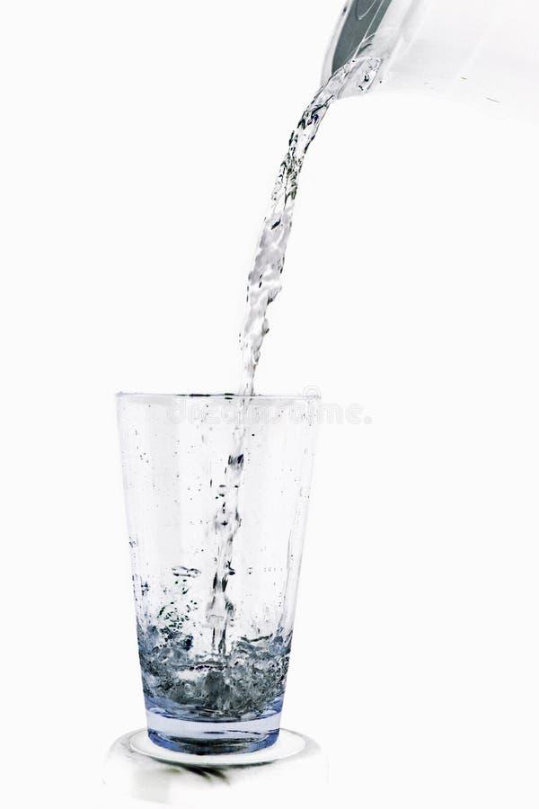 Het water giet stock fotografie