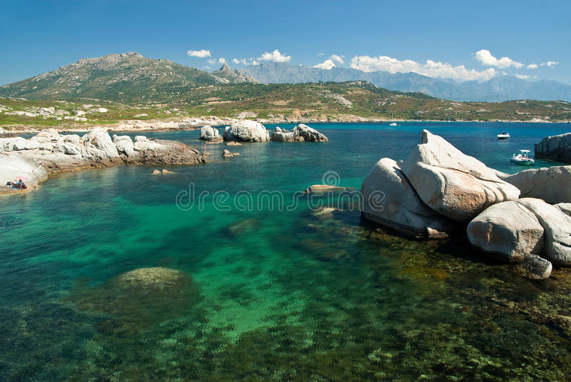 Het water van Corsica (Frankrijk) stock afbeeldingen
