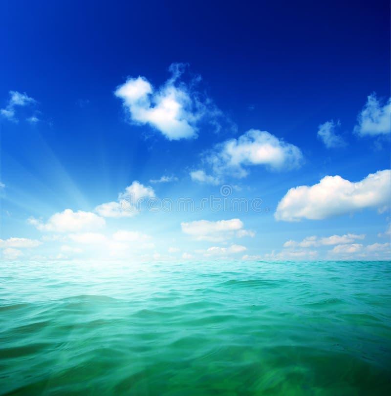 Het water van oceanen stock afbeelding