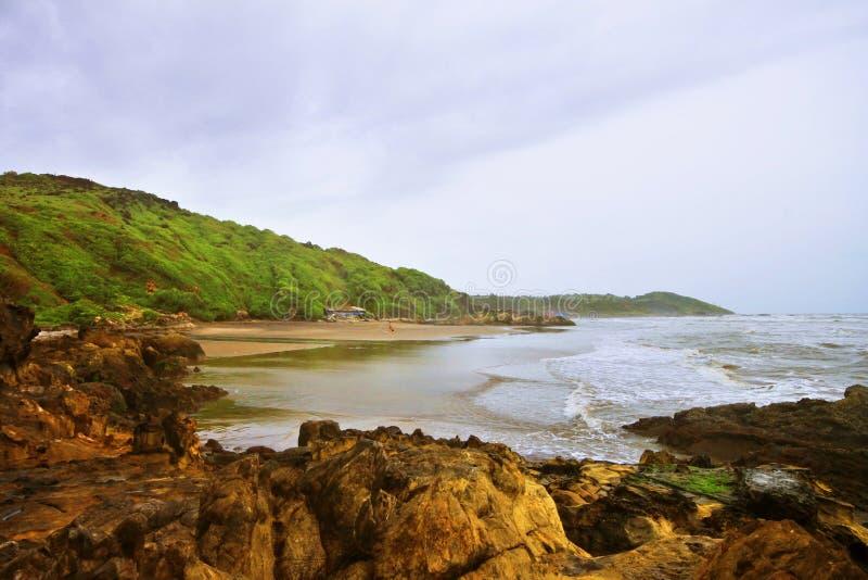 Het waterhemel van het land. Panoramisch tropisch strand en Arabië stock foto's