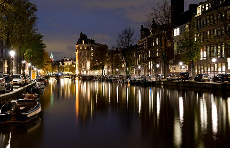 Het waterkanaal van Amsterdam stock afbeelding