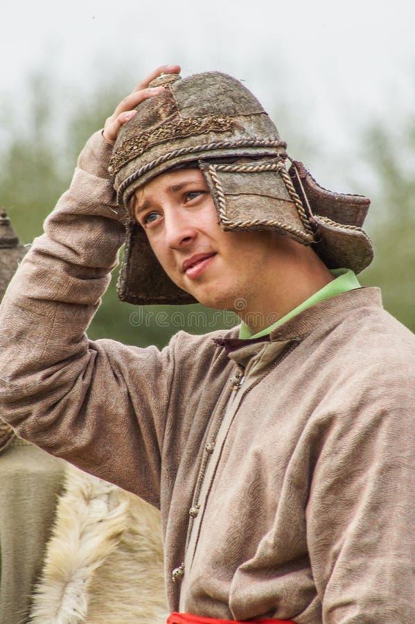 Het weer invoeren van de Roleplayslag van de era van het juk mongools-Tatar in het Kaluga-gebied van Rusland op 10 September 2016 stock foto