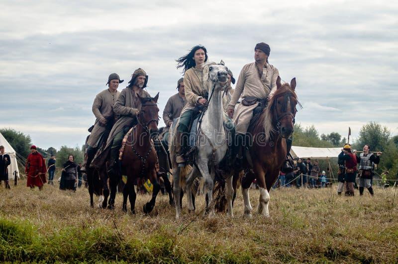 Het weer invoeren van de slag van de era van het juk mongools-Tatar in het Kaluga-gebied van Rusland op 10 September 2016 royalty-vrije stock afbeeldingen