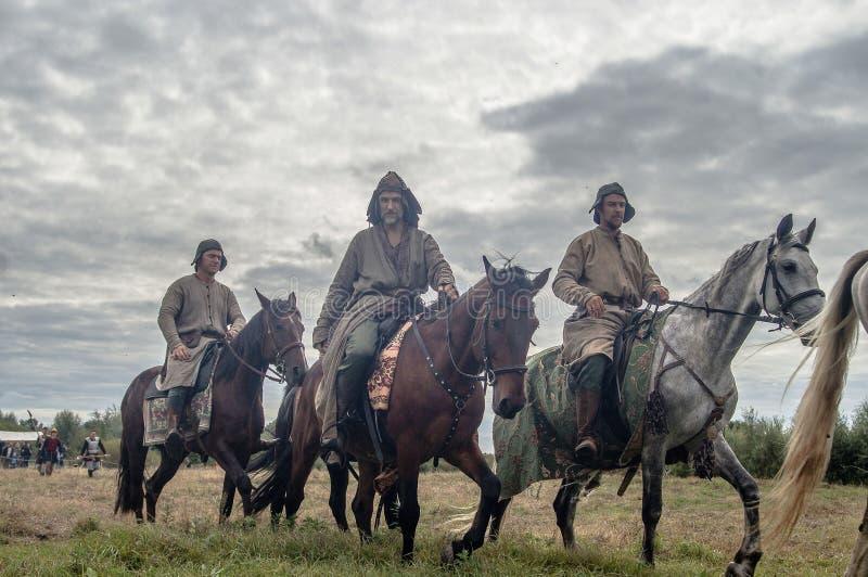 Het weer invoeren van de slag van de era van het juk mongools-Tatar in het Kaluga-gebied van Rusland op 10 September 2016 stock foto