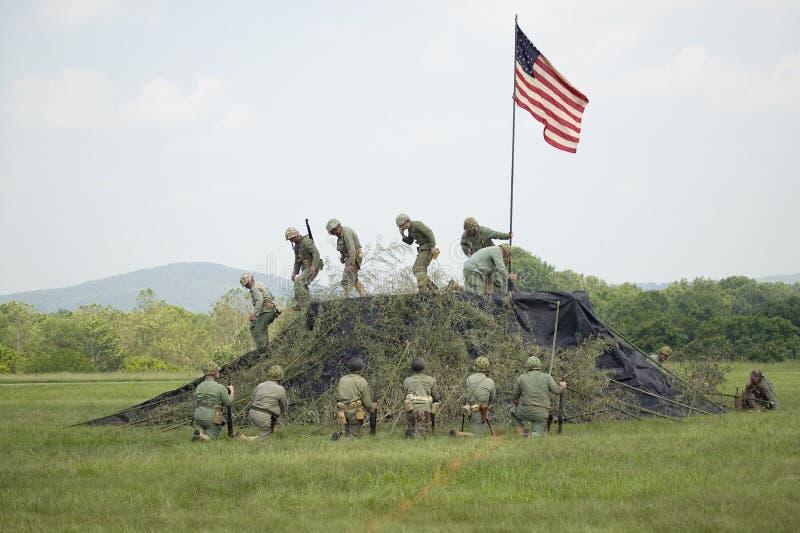 Het weer invoeren van de Wereldoorlog II van de Marine van de V.S. stock foto's