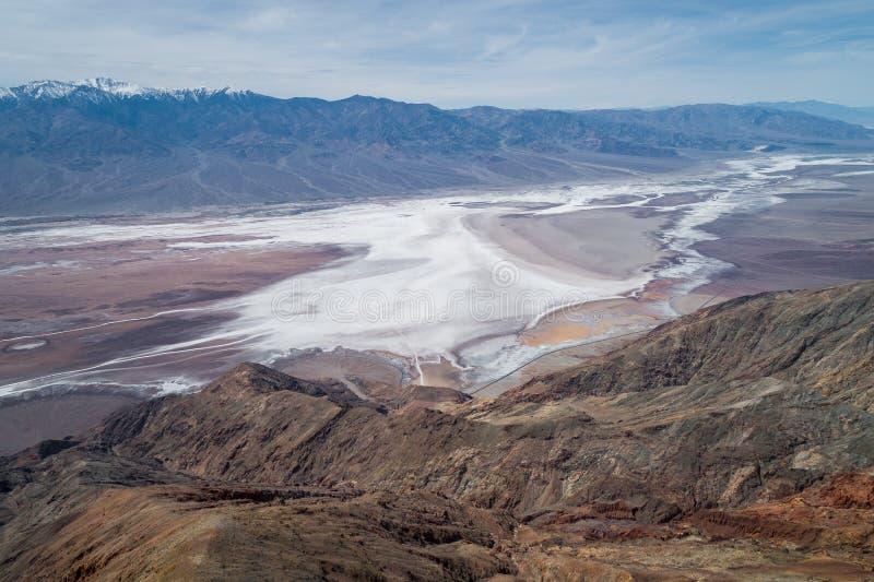Het Weergeven van Dante in Doodsvallei Berg en zout Gebied op Achtergrond stock foto