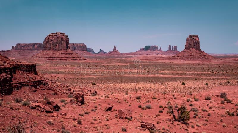 Het Weergeven van de kunstenaar, Monumentenvallei in Arizona stock fotografie