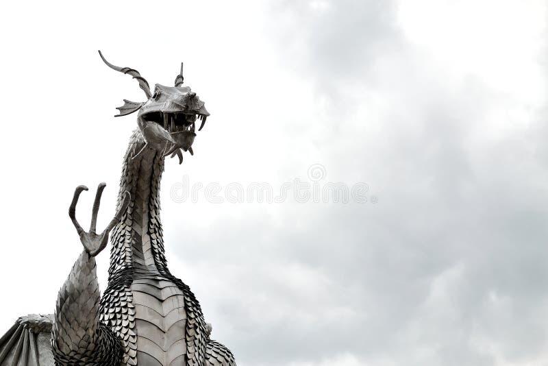 het Welse beeldhouwwerk van de metaaldraak royalty-vrije stock fotografie