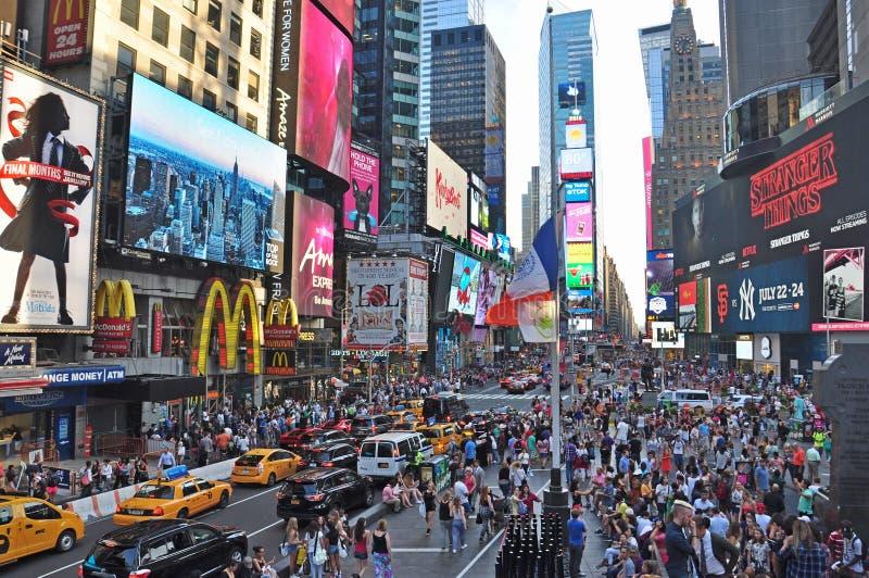 Het werelden beroemde Times Square in de tijd van de de Stadsdag van New York stock foto
