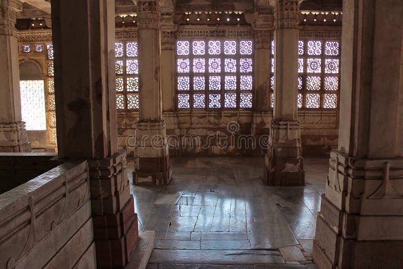 Het werk van steenjali Indo-Saracenic architecturale stijl, Makarba Sarkhej Roza, Ahmedabad, Gujarat India royalty-vrije stock afbeeldingen