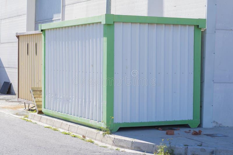 Het werkcontainers stock afbeeldingen