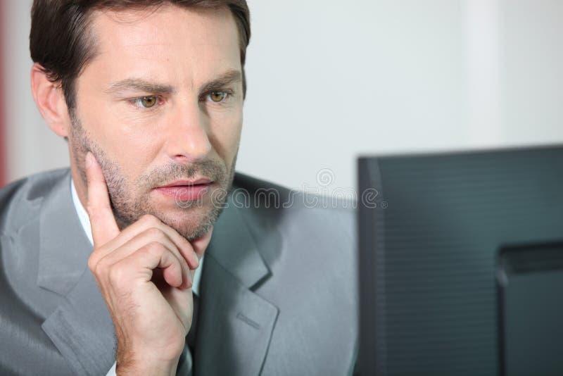 Het werken van de accountant stock foto's