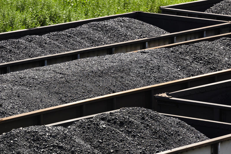 Het westen Virginia Coal in de Auto's van de Spoorwegvultrechter royalty-vrije stock fotografie