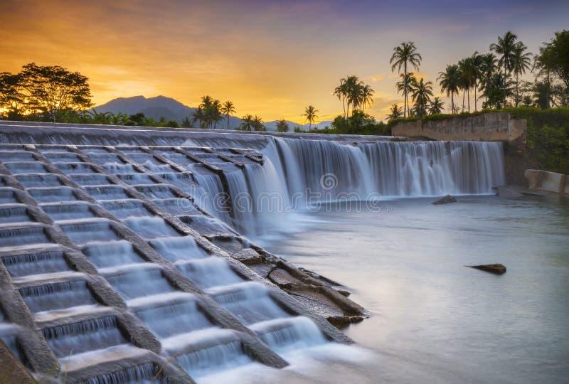 Het Westensumatera van watervalkoto Pulai royalty-vrije stock afbeeldingen
