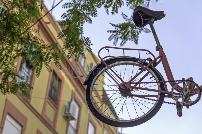 Het wiel is in de lucht stock foto