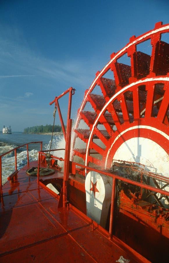 Het Wiel van de peddel van Riverboat op de Rivier van de Mississippi stock foto