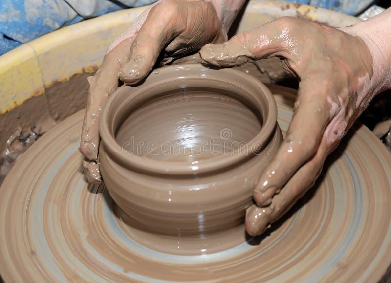 Het wiel van de pottenbakker stock foto's