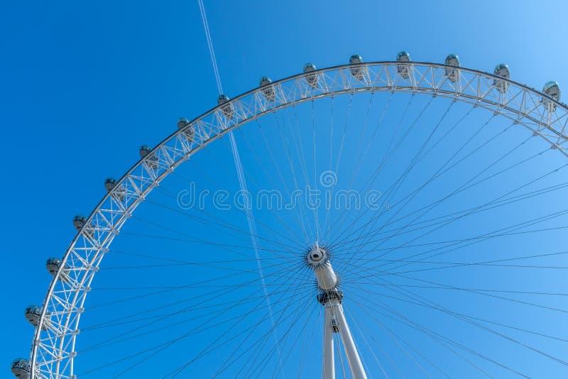 Het wiel van het Oogferris van Londen in Londen van de binnenstad royalty-vrije stock afbeelding