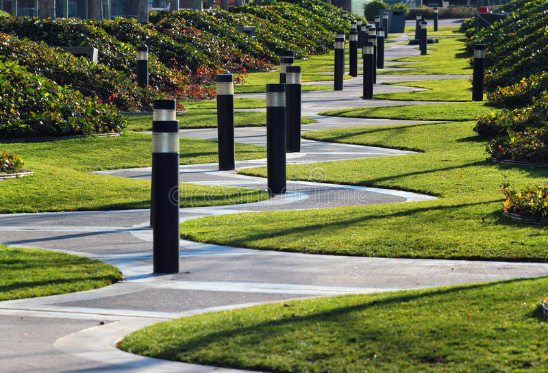 Het winden zigzaggang in een park, Madrid, Spanje royalty-vrije stock afbeelding