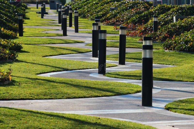 Het winden zigzaggang in een park, Madrid, Spanje stock fotografie