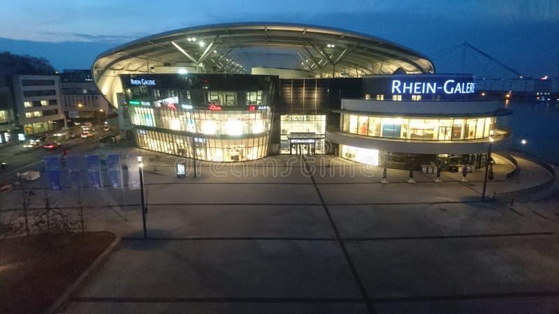 Het winkelcentrum Ludwigshafen, Duitsland van Rijn Gallerie stock afbeeldingen
