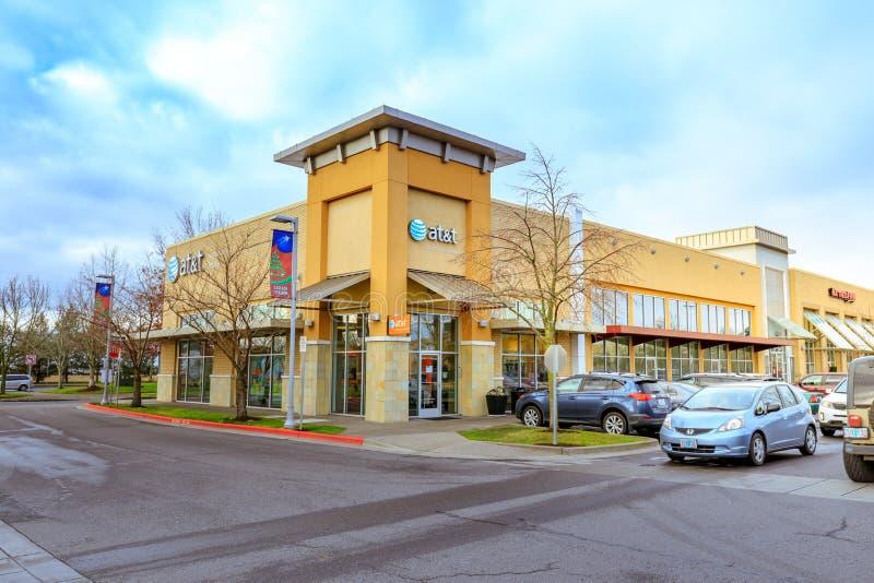 Het Winkelcentrum van de cascadepost bij regenachtige dag het wordt gevestigd in N royalty-vrije stock foto's