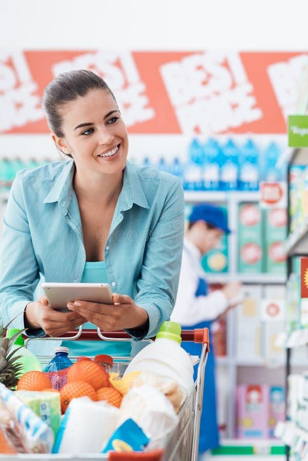 Het winkelen mobiele app royalty-vrije stock afbeelding